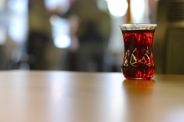 black leaf tea